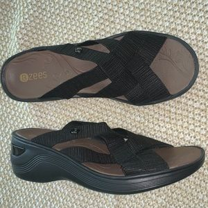 Bzee sandals